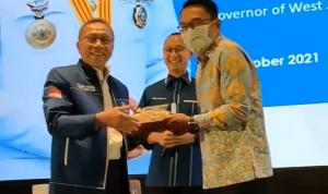 Gubernur Jawa Barat, Ridwan Kamil memberikan tips memenangkan pemilihan umum (pemilu) di hadapan ribuan kader Partai Amanat Nasional di Bali Nusa Dua Convention Center, Selasa (5/10/2021). Dok: Instagram @amanatnasional.