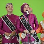 Dalam acara grand final Pasanggiri Mojang Jajaka (Moka) 2021, Siti Ulfa Atamimi asal Kota Bogor terpilih sebagai Mojang Jawa Barat 2021, dan Mahathir Mohammad asal Kota Depok terpilih sebagai Jajaka Jabar 2021. Dok: Instagram @ataliapr.