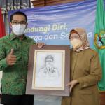 Gubernur Jawa Barat (Jabar) Ridwan Kamil melaporkan penyelenggaraan pendidikan vokasi berbasis kerja sama industri dan dunia kerja. Dok: humas.jabarprov.go.id