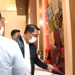 Gubernur Jawa Barat, Ridwan Kamil menilai kawasan Kota Lama di Semarang tertata dengan rapi, sehingga tempat yang sangat strategis dapat dikerjasamakan dengan Jabar terutama untuk mengembangkan sektor UMKM. Dok: humas.jabarprov.go.id.