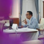 Gubernur Jawa Barat, Ridwan Kamil mengungkapkan arah ekonomi baru Jawa Barat pascapandemi COVID-19 saat mengisi materi Webinar Komite Pemulihan Ekonomi Daerah (KPED). Dok: humas.jabarprov.go.id.